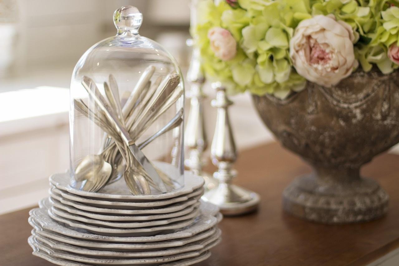 Déco de table, n'oubliez pas les fleurs